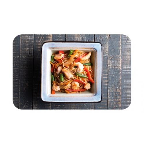 Лапша яичная с лососем и креветками