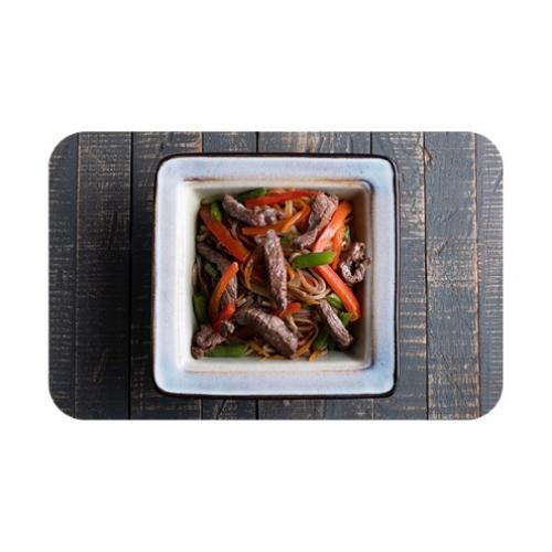 Лапша гречневая «соба» с говядиной и овощами
