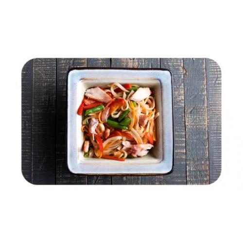 Лапша пшеничная «удон» с курицей и овощами